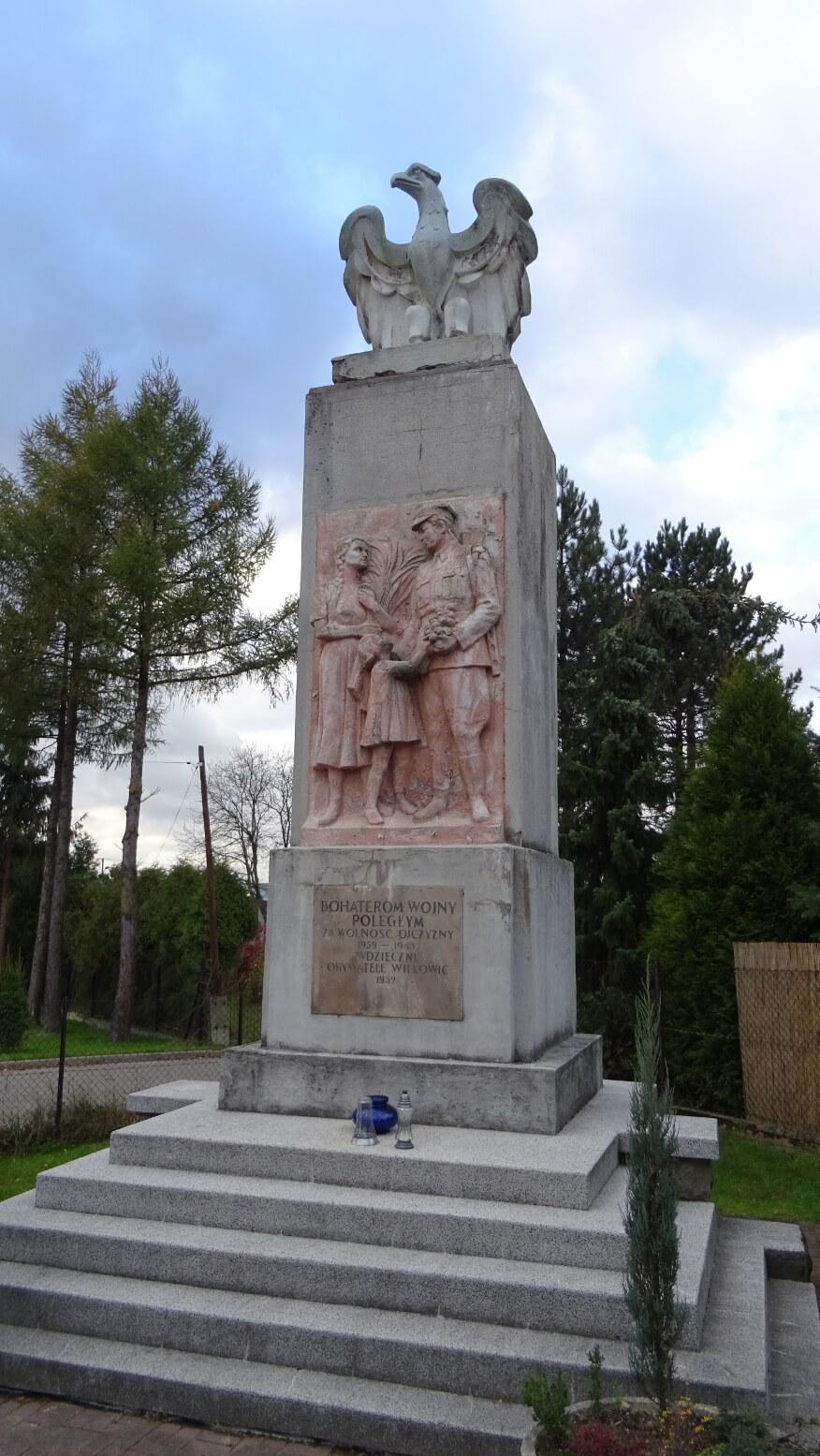 Pomnik w Wilkowicach poświęcony bohaterom poległym w walce za ojczyznę