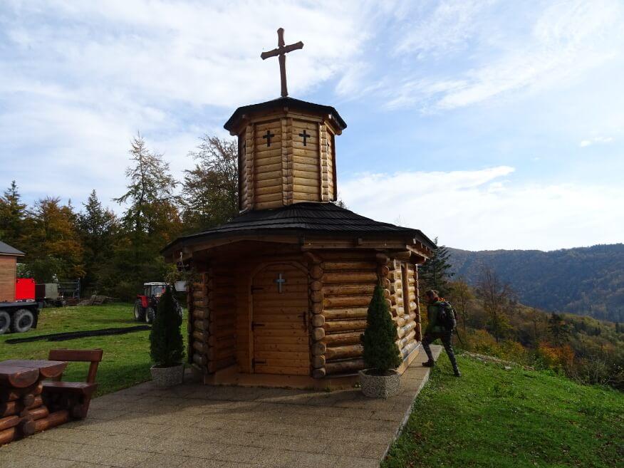 Kapliczka przy Chatach na Raczy