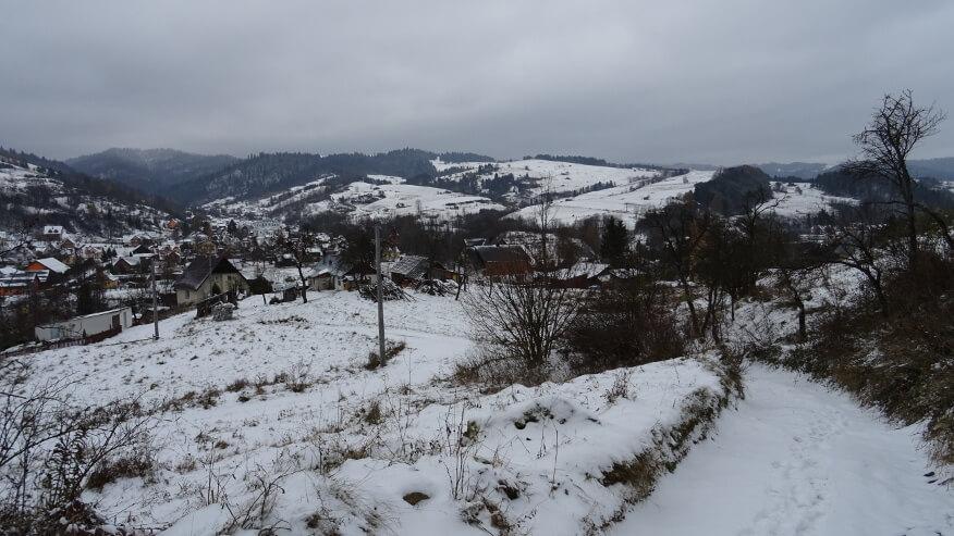 Wieś Szlachtowa z żółtego szlaku