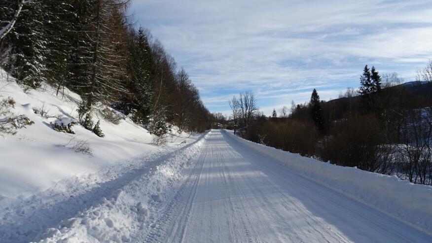 Podejście drogą na Przełęcz Wyżniańską