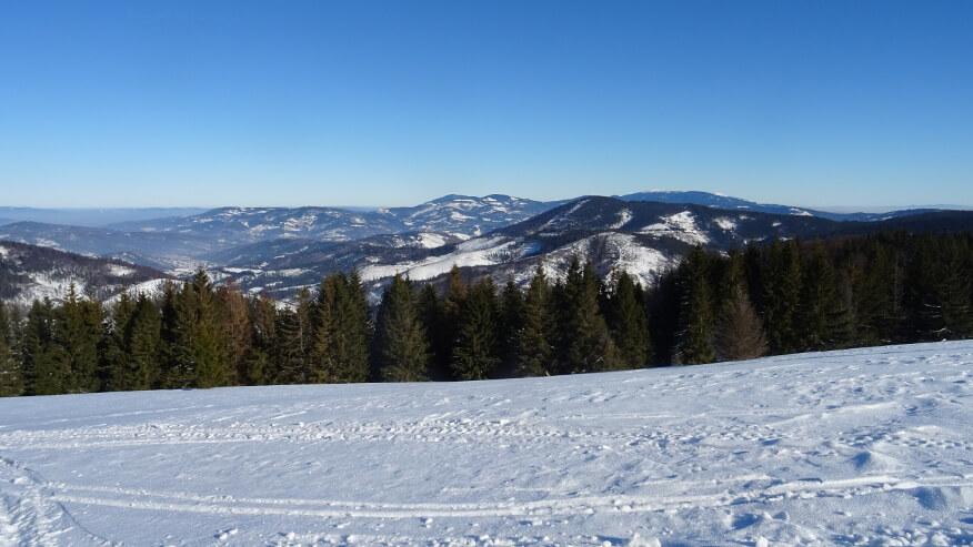Widok z Bendoszki Wielkiej w kierunku Pilska