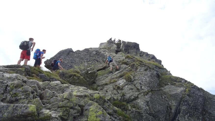 Pierwsze łańcuchy i pierwsze trudności na szlaku na Rohacz Ostry