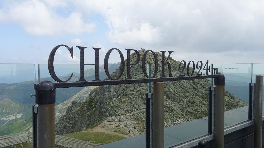 Wierzchołek Chopoka z tarasu restauracji Rotunda