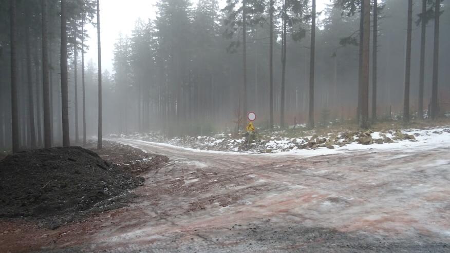 Pierwsze skrzyżowanie na drodze pożarowej