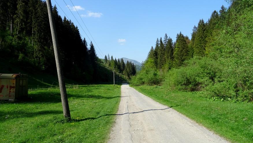 Droga przez Suchą dolinę