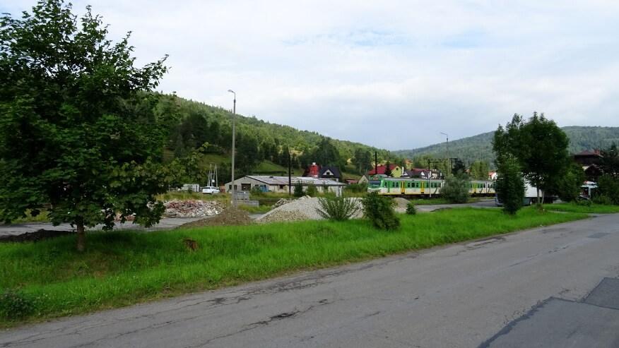 Nasz odjeżdżający pociąg ze stacji Rajcza