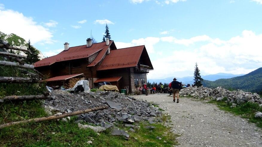 Cabana Curmătura (schronisko)