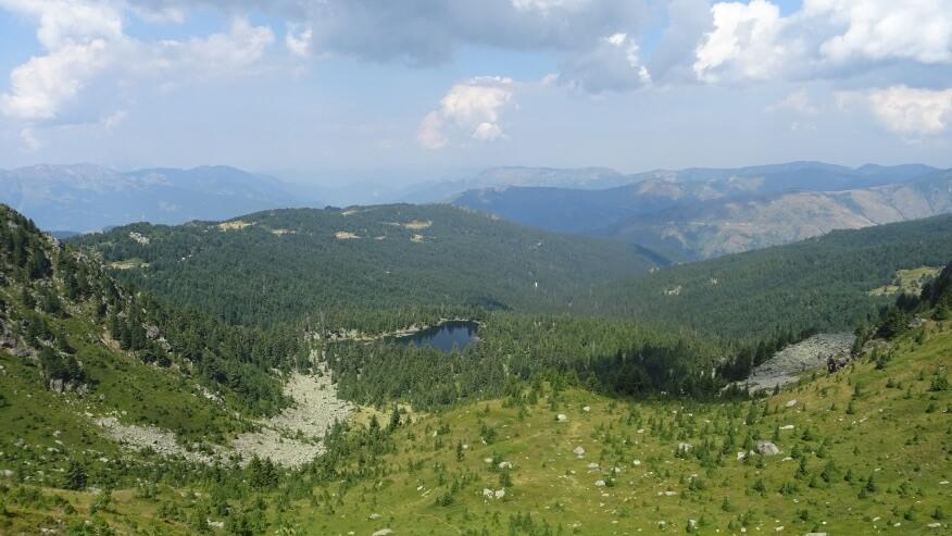 Widok już z grani na Hridsko Jezero