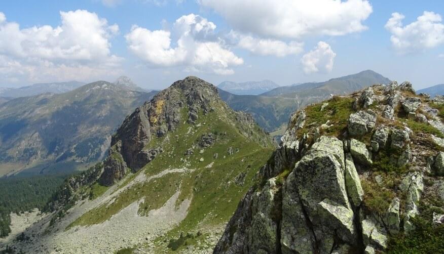 Widok ze szczytu Hridski Krš - na pierwszym planie Krš Bogićevica