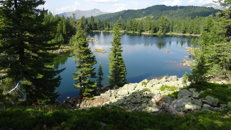 Ostatni raz nad Hridsko Jezero w tle  Starac i Bandera