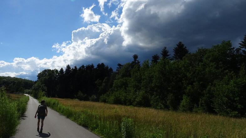 Czarne chmury nadciągają nad Chełm Wschodni