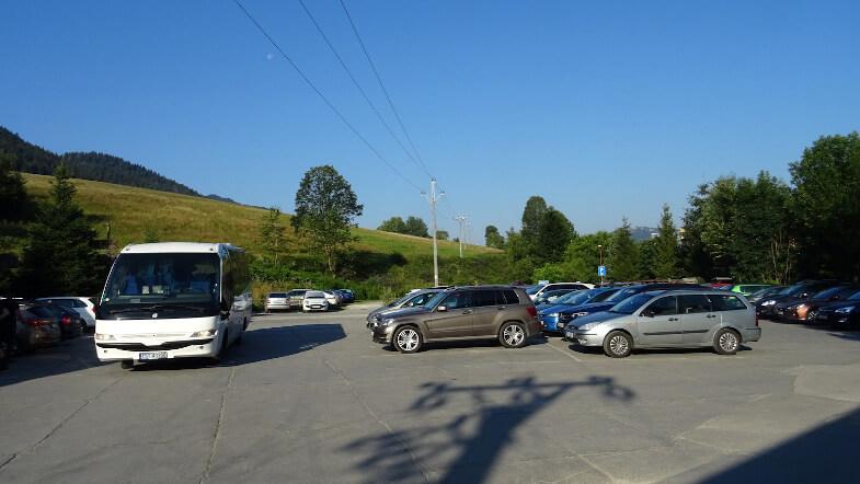 Jeden z parkingów w Białym Potoku